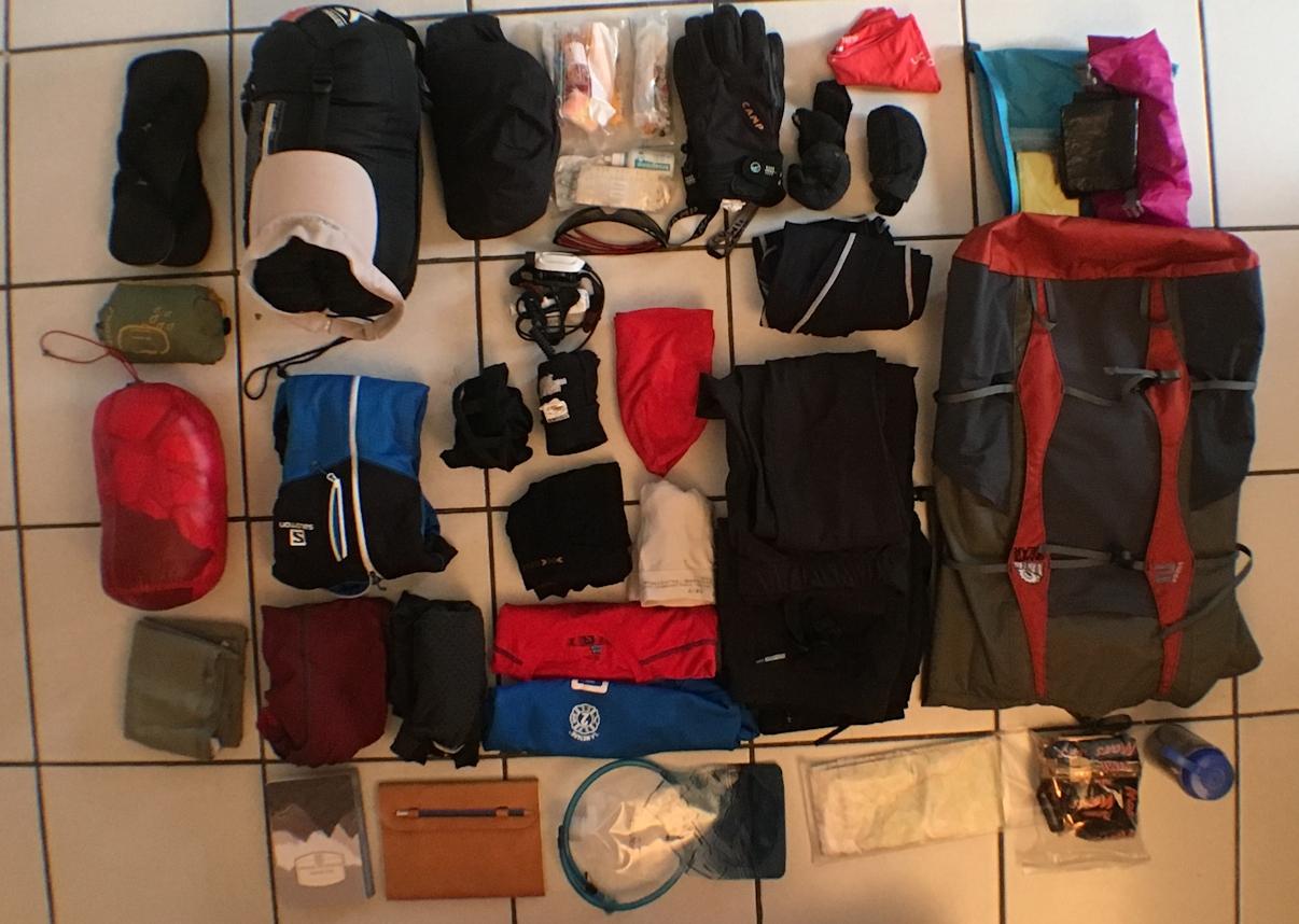 Sac_a_dos_et_équipements_pour_le_tour_des_Annapurnas