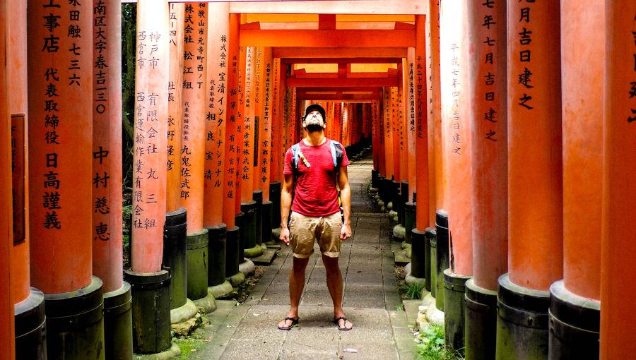 visiter kyoto en une journée - les 1000 toris rouge
