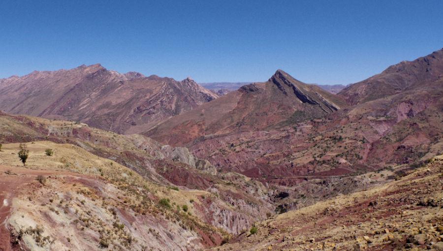 Randonnée du cratère de Maragua, vers sucre en Bolivie